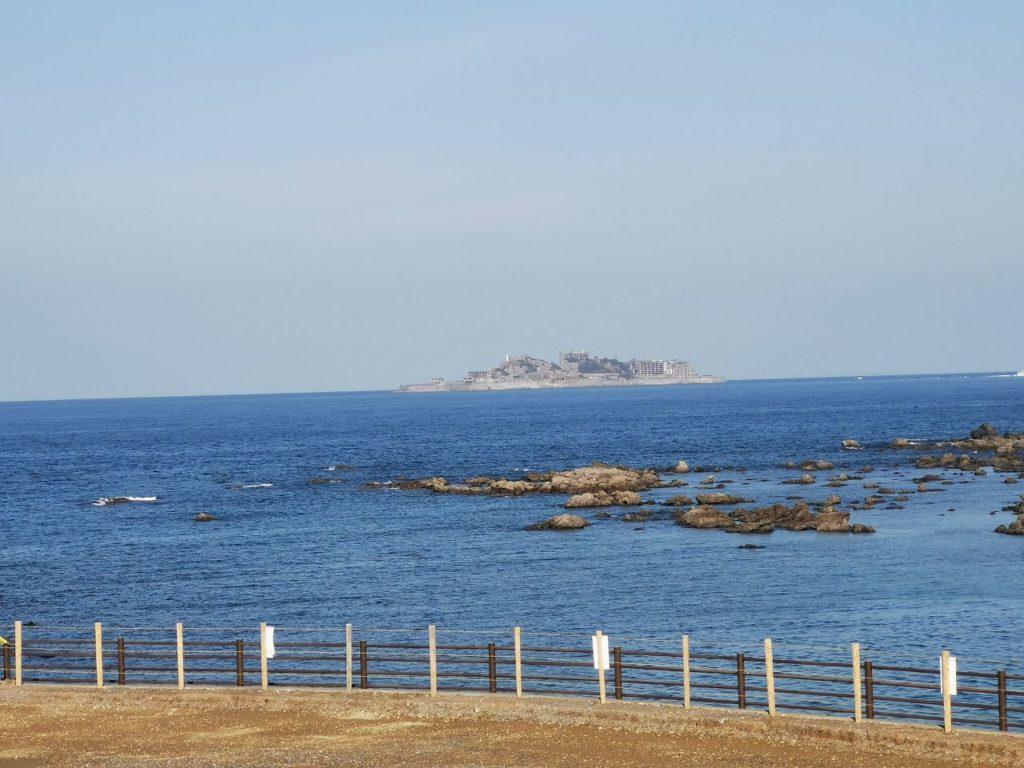 軍艦島展望台から見える軍艦島