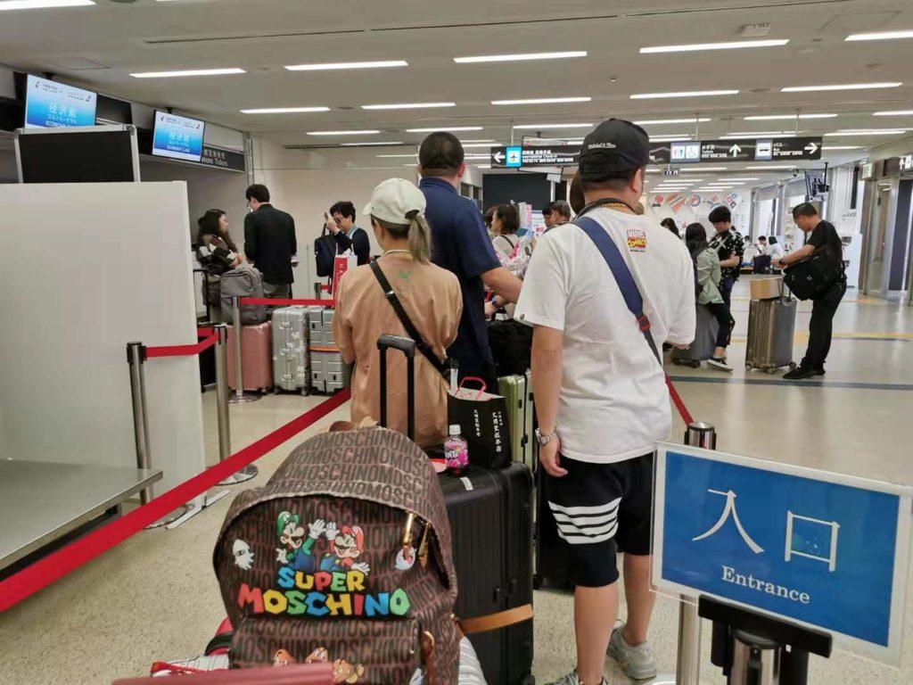 長崎空港の国際線のチェックインカウンター
